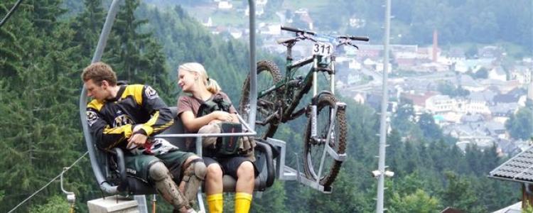 Adrenalin Kicks pur beim Downhill in Steinach